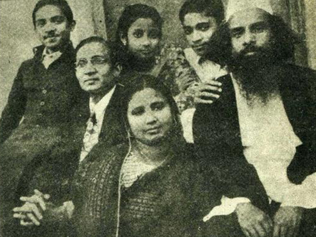 Father mother, two brother and Ismail Hossain Shiraji, Ferdausi in her teens.