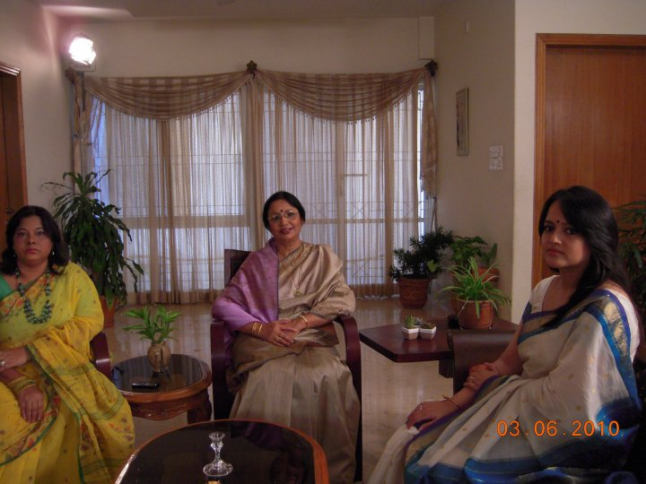 Diganto TV channel telecast a discussion prog. on International Women's day. Ishita was the anchor of the program.