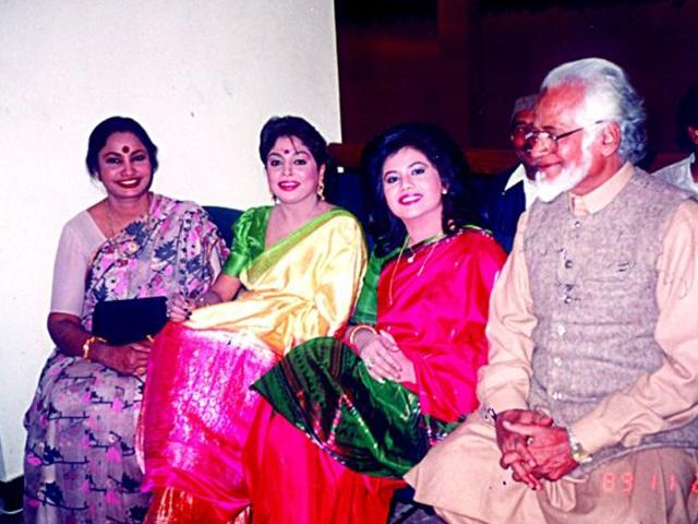 With Shahnaz Rahmatullah, Runa Laila and music director Nasar Bazmi.